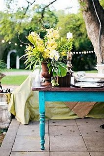 Love the blue table