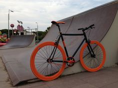 The Fixed Gear World, where the fixed gear rider meets his passion