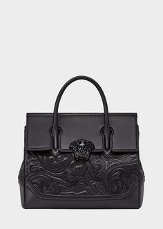 PYTHON PALAZZO EMPIRE BAG from Versace Women's Collection. Dual-carry style bag from the Palazzo Empire line crafted in luxurious, python leather details with central Medusa Head, top handle, wide shoulder strap and inner pockets. Burberry Handbags, Chanel Handbags, Purses And Handbags, Mochila Nike, Versace Bag, Black Shoulder Bag, Shoulder Bags, Shoulder Straps, Sacs Design