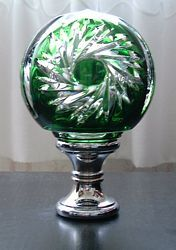 Lead Crystal Boule Du0027escalier Newel Post Topper For A Staircase. Shaped  Like A Fluted Orb And Has A Brass Base. Bottom Of Base Is Removable To Attau2026