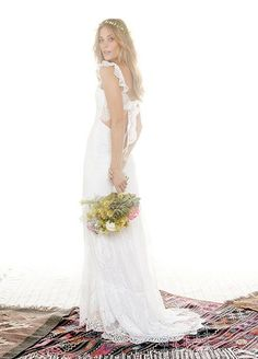 We are ALL about this breathtaking new wedding trend