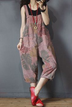 Banana Leaf Printed Summer Dungarees Cotton Korean Overalls for Woman in Pink Yellow One Size Fashion Pants, Diy Fashion, Fashion Dresses, Womens Fashion, Estilo Hippie, Pants For Women, Clothes For Women, Dungarees, Sewing Clothes