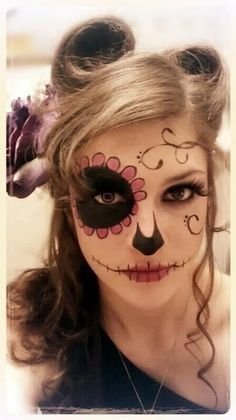 DIY Halloween Make-up / Halloween Make-up - Fereckels . - Make-up-Kunst - Make Up Costume Halloween, Halloween Makeup Looks, Halloween Make Up, Halloween Ideas, Vintage Halloween, Scary Halloween, Halloween Party, Diy Maquillage Halloween, Sugar Skull Make Up