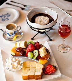 We <3 fondue...sexy food fun!;)