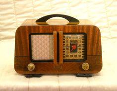 Old Antique Radio - Philco Vintage Wood Tube Model Restored, Working & Art Deco