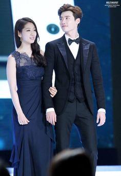 Lee Jong Suk admits to off-screen skinship with Park Shin Hye