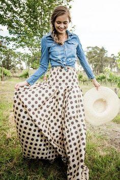 Waltzing Matilda Ball Skirt by Shabby Apple, Polka Dot Skirt Looks Camisa Jeans, Vestido Dot, Look 2015, Ball Skirt, Look Fashion, Womens Fashion, Fashion Trends, Inspiration Mode, Looks Style