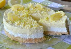 Osviežujúci citrónový cheesecake s bielou čokoládou Sweet Desserts, No Bake Desserts, Sweet Recipes, Dessert Recipes, Cheesecakes, Ice Cream Candy, How Sweet Eats, Graham Crackers, Cheesecake Recipes