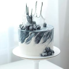 Birthday Cake Decorating Ideas For Men Desserts 58 Ideas – Birthday 2020 Beautiful Cake Designs, Beautiful Cakes, Amazing Cakes, Elegant Birthday Cakes, Beautiful Birthday Cakes, Birthday Desserts, Cake Birthday, Flower Birthday, Birthday Cakes For Men