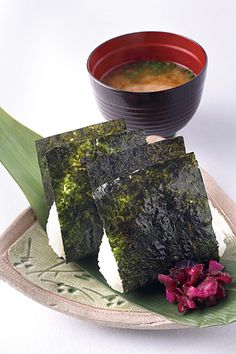 Onigiri, Japanese Rice Ball and Misoshiru Soup, Pickled Cucumber-Shibazuk (♡♡♥) Japanese Dishes, Japanese Food, Sushi, My Favorite Food, Favorite Recipes, Pop Sicle, Onigirazu, Kobe Beef, Asian Cooking