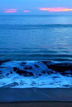 Smiling Wave at Arugam Bay Sri Lanka