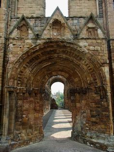 Jedburgh Abbey, Jedburgh, Scotland - Being close to the Border, it suffered from attacks by English forces as well as from raids by English Reivers.