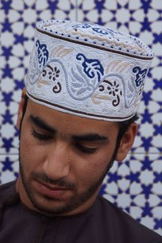 Omani man photographed by CharlesFred Sultan Qaboos Grand Mosque, Middle East Culture, Middle Eastern Men, Arabian Knights, Sultanate Of Oman, Arabian Sea, Bagdad, Arab Men, The Beautiful Country