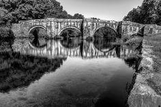 Ponte sobre o rio Xallas / bridge over the river xallas Rio, Pablo Sandoval, Over The River, Bridge, Pictures, White Photography, Photos, Photo Illustration