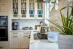 White cabinet in kitchen remodel White Shaker Kitchen, White Marble Kitchen, White Kitchen Cabinets, Eat In Kitchen, Kitchen And Bath, Grey Countertops, Shaker Cabinets, Portfolio Design, Kitchen Remodel