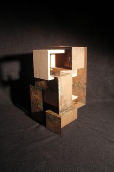 metal. espacio y luz. 2012