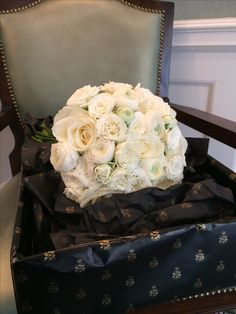 Bridal Bouquets, Cake, Flowers, Bride Bouquets, Pie Cake, Pastel, Wedding Bouquets, Cakes, Royal Icing Flowers