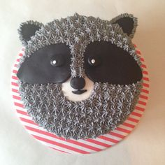 There is not much that's cuter than a little raccoon. If you're a fan of the woodland creature, you're sure to love these cakes, cupcakes, and more that feature the raccoon. 1st Boy Birthday, First Birthday Parties, First Birthdays, Cupcakes, Cupcake Cakes, Cute Raccoon, Rocket Raccoon, Carrot Cream, Festa Party