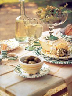 Gmundner Keramik | Ausflugsziele | Wandern am Traunsee | Wandern ... Vintage Pottery, Austria, Tablescapes, Dinnerware, Table Settings, Hand Painted, Teller, Table Decorations, Tableware