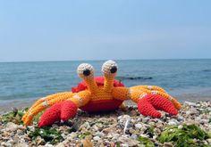 The Little Crab Coconut Free Amigurumi Pattern by Amilovesgurumi. Skill Level: Intermediate Crab amigurumi to crochet! Free Pattern More Patterns Like This! Crochet Fish, Cute Crochet, Crochet Crafts, Yarn Crafts, Crochet Projects, Crochet Amigurumi, Amigurumi Patterns, Crochet Dolls, Knitting Patterns