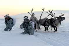 Russian soldiers during exercise in Arctic [1000 x 667]