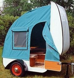 Even having changes in the managing of the organization and design of the car, the creation of high-quality RV Camper Trailer did not stop. Here is the newest model collections of pup-up tent RV Camper Trailer. Mini Camper, Vw Camper, Tiny Trailers, Camper Trailers, Trailer Tent, Small Trailer, Camping Glamping, Camping Gear, Camping Hacks
