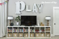 Das Montgomery House Spielzimmer Playroom The House of Figs www landofnod Spielzimmer Das Haus der Feigen www landofnod Loft Playroom, Playroom Organization, Playroom Design, Playroom Decor, Boys Playroom Ideas, Playroom Colors, Playroom Shelves, Cubbies, Basement Ideas