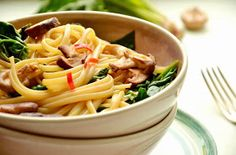 immer wieder pasta: 15 Minuten Küche: Pasta mit Spinat und Balsamicopilzen