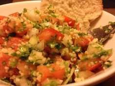 Taboulé libanais par Benkku81 Ethnic Recipes, Food, Onion, Tomatoes, Lebanese Tabbouleh, Bulgur, Kitchens, Recipe, Essen
