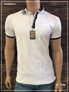 Playera tipo polo Tnt Jeans Camisa Polo, Fashion Outfits, Mens Fashion, Polo T Shirts, Collar And Cuff, Vinyls, Tomboy, Polo Ralph Lauren, Menswear