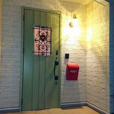 Entrance/LIXIL/LIXIL玄関ドア/緑のドアのインテリア実例 - 2016-11-11 09:10:58 Interior Architecture, Interior Design, Locker Storage, Entrance, Doors, Mirror, House, Furniture, Home Decor