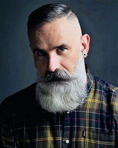 Gorgeous Silver bear's Full Bearded Hungarian ❤️ – coiffures et barbe hommes Beard Styles Names, Beard Styles For Men, Hair And Beard Styles, Grey Beards, Long Beards, Barba Sexy, Beard Cuts, Beard Haircut, Beard Look