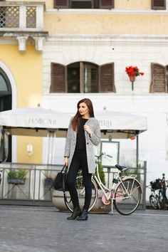 larisa costea, larisa costea blog, the mysterious girl,themysterious girlblog,fashion blog,fashion, fashionista, travelblog, travel, traveler,roma, rome,italy,italia, ootd, lotd, chicwish,outfit, outfit insiration, casuallook,naby jeans,dstld, romwe, tartan scarf, black top, black blouse, jadu, bag, black bag,daniel wellington, clasic sheffield watch,it girl, airport look,simple look,look of the day,outfit of the day,daily outfits