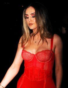 Perrie Edwards Style, Little Mix Perrie Edwards, Little Mix Jesy, Little Mix Style, Mixed Girls, Female Singers, Celebs, Celebrities, Woman Crush