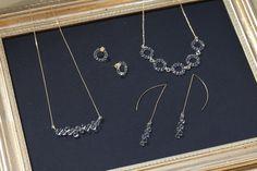 それでは、キナリノモールでお取り扱い中の「Water Drops(ウォータードロップス)」シリーズの中から、いくつかおすすめのアイテムをご紹介したいと思います。(写真/神ノ川智早) Arrow Necklace, Jewelry Accessories, Handmade Jewelry, Display, Glass, Silver, Jewellery, Beautiful Things, Do Your Thing