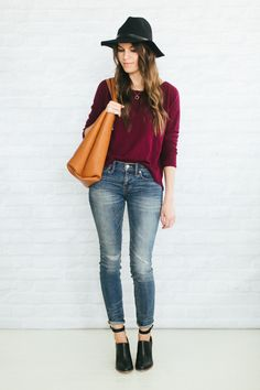 Unfancy Fall Capsule Wardrobe 2014 - 4.7 how to wear black and brown together Simple Fall Outfits, Fall Winter Outfits, Autumn Winter Fashion, Summer Outfits, Casual Outfits, Fall Capsule Wardrobe, Wearing Black, Distressed Denim, Black And Brown