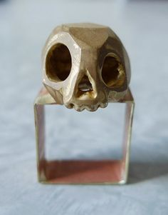 is a jewelry brand created by Marie-Maude Brunet, an artist from Montreal. They are mostly inspired by geometric shapes and natural textures. Skull Jewelry, Cute Jewelry, Jewelry Art, Unique Jewelry, Handmade Jewelry, Jewelry Design, Khadra, Women Accessories, Jewelry Accessories