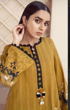 Simple Pakistani Dresses, Pakistani Fashion Casual, Pakistani Outfits, Stylish Dresses For Girls, Stylish Dress Designs, Neckline Designs, Dress Neck Designs, Kurta Neck Design, Kurti Pakistani