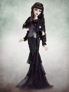 Evangeline Ghastly~Midnight Lace and Roses~Dressed Doll~BRAND NEW~Wilde  #DollswithClothingAccessories
