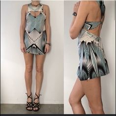 Nwot LF linear aqua black graphic cut out dress XS I've actually already owned this dress and sold it on here in an S - somehow it came back into my life via birthday week bc it has so many elements I love. This is an XS, no tags but definitely came from LF (I purchased the original S there). Retail $148.. Lightweight and cool from all sides, great festival and travel piece! LF Dresses Mini
