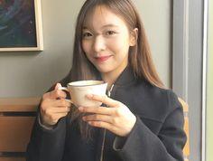 #f(x) #f(x)luna #luna #smtown #kpop South Korean Girls, Korean Girl Groups, Girls Group Names, Hyeri, Who Runs The World, Sulli, Professional Makeup Artist, It Hurts, Victoria