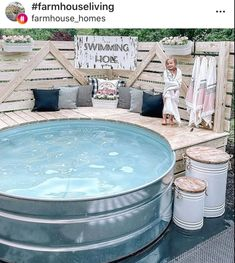 Piscina Diy, Cheap Pool, Stock Tank Pool, Beautiful Farm, Swimming Holes, Farmhouse Homes, Farmhouse Ideas, Farmhouse Style, Farmhouse Design