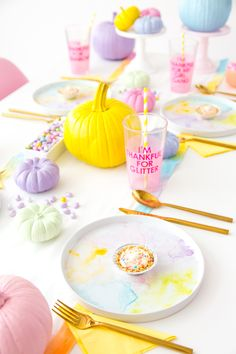 Friendsgiving gives me the chance to be a little more creative. See how to make these cute pastel DIY decorations for your Friendsgiving celebration, with easy, cost-saving Tips & Ideas from @walmart !  #AffordableStyle #BetterLiving