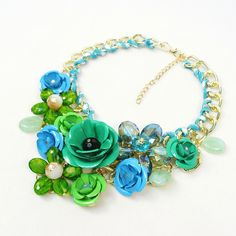 Floral Fashion Necklace #statementjewelry #fashionjewelry #floral #bibnecklace