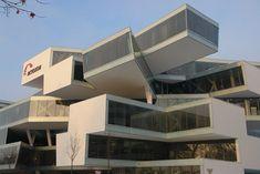Urban Lab Global Cities (ULGC): Actelion Business Centre by Herzog & de Meuron Cantilever Architecture, Futuristic Architecture, Amazing Architecture, Interior Architecture, Concept Architecture, Interesting Buildings, Amazing Buildings, Jacques Herzog, Landscape And Urbanism