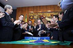 Folha do Sul - Blog do Paulão no ar desde 15/4/2012: Oposição protocola novo pedido de impeachment de D...