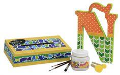 Caja de madera y Letra decoradas con Scrapbook / ¡Nuevo Pegamento Glossy! Ideal para madera, papel, unicel, etc. De venta en Fantasías Miguel