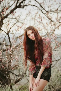 Stephanie Sunderland Photography. Natural Photography poses. Cute Wavy long hair. Pretty Natural Makeup. Makeup for brown hair. Senior Photo Ideas. Cute outfits for senior photos. Spring blossoms. Spring Outfits.