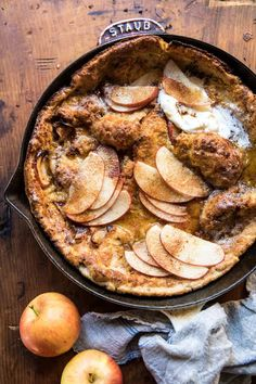 Cinnamon Apple Puffed Pancake - Recipes To Try - Pancake Recipe Baked Apple Pancake, Puff Pancake, Brunch Recipes, Breakfast Recipes, Dessert Recipes, Pancake Recipes, Baked Apples, Cinnamon Apples, Cinnamon Butter