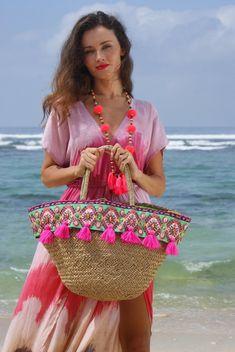 Cottage Crochet Easy Bag Making Straw Beach Tote, Beach Tote Bags, Straw Bag, Summer Handbags, Summer Bags, Boho Bags, Basket Bag, Handmade Bags, Tassels